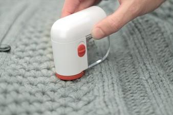 KLEIBER Mini-Fusselrasierer, kabellos, weiß/rot